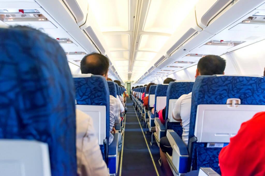 Flugzeug, Luftfahrt, Kabine, http://www.shutterstock.com/de/pic-168899807/stock-photo-commercial-aircraft-interior.html (27.10.2014)