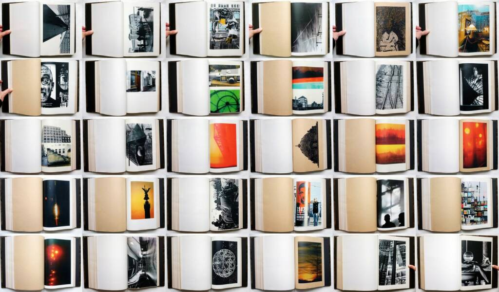 Toshithugu Yamawaki - Berlin / Deep in Thought, Studio a la page 2014, Beispielseiten, sample spreads - http://josefchladek.com/book/toshithugu_yamawaki_-_berlin_deep_in_thought, © (c) josefchladek.com (28.10.2014)