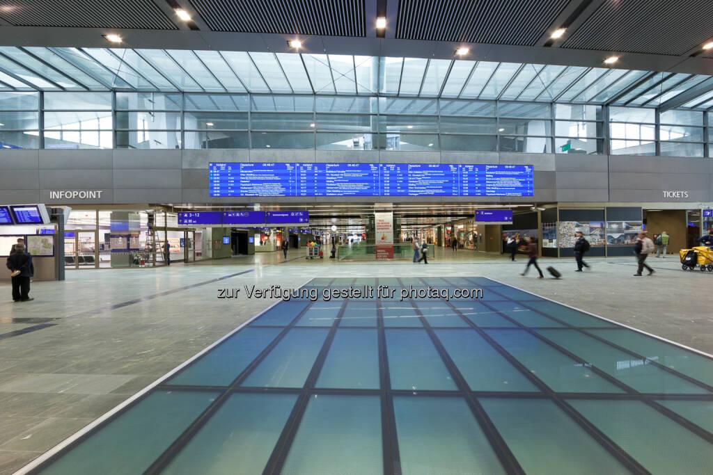 Kapsch AG: 44 Quadratmeter pure Information: Kapsch liefert LED-Anzeigetafel für Wiener Hauptbahnhof, © Aussender (29.10.2014)