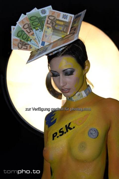 Bodypainting the Post (by Mike Shane). Mehr unter http://finanzmarktfoto.at/page/index/185 (c) tompho.to