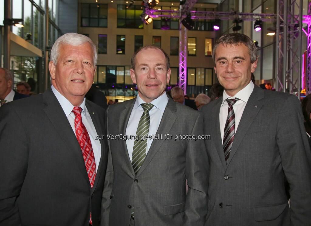 Jakob Auer (Aufsichtsratspräsident), Max Hiegelsberger (Landesrat), Heinrich Schaller (Generaldirektor RLB OÖ) (Bild: RLB OÖ/Strobl) (01.11.2014)