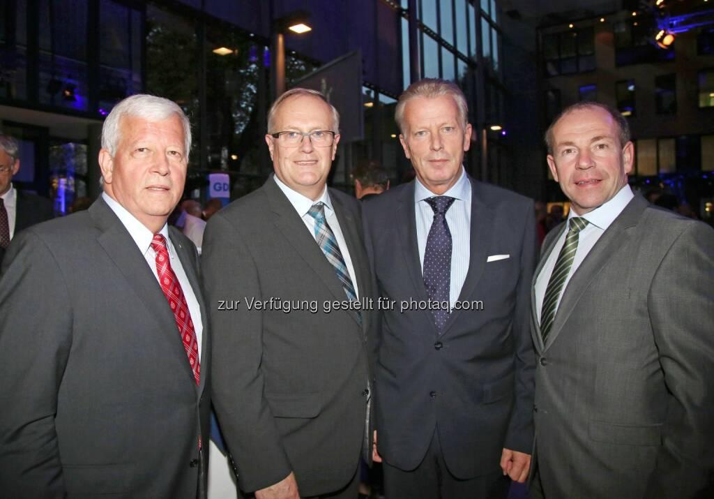 Jakob Auer (Aufsichtsratspräsident), Franz Reisecker (Präsident der Landwirtschaftskammer OÖ), Vizekanzler Reinhold Mitterlehner, Max Hiegelsberger (Landesrat) (Bild: RLB OÖ/Strobl) (01.11.2014)