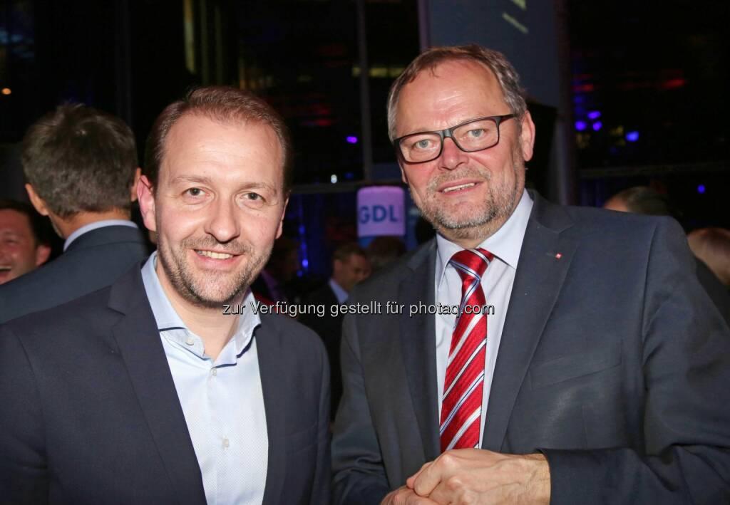 Bernhard Baier (Vizebürgermeister), Josef Stockinger (OÖ Versicherung-Generaldirektor) (Bild: RLB OÖ/Strobl) (01.11.2014)