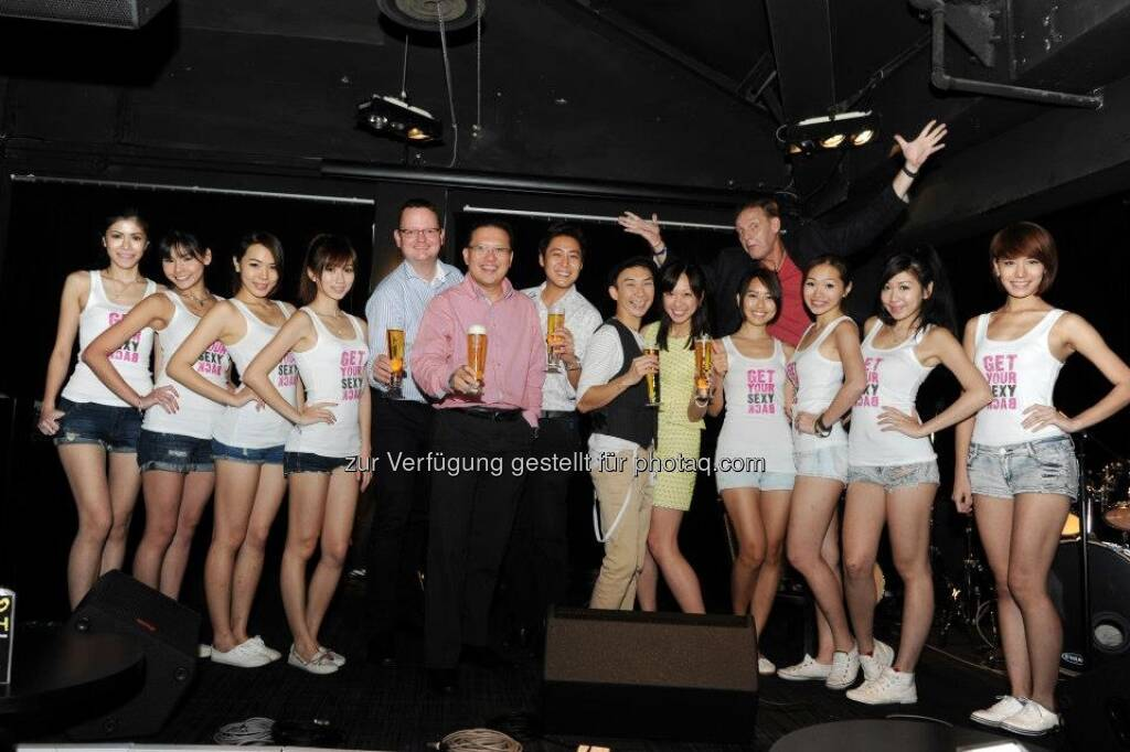 Michael Dickstein on stage with APBS GM Michael Chin, Alina Boey, comedians and promotion girls (02.02.2013)