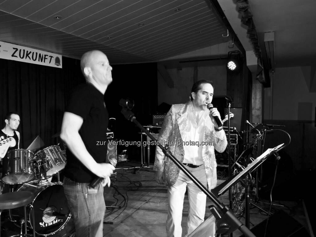 Klaus della Torre, Gast-Crooner Wolfgang Matejka: Hauptsoch Gsund, die Kapitalmarktkapelle , © mit freundlicher Genehmigung von Klaus della Torre (02.02.2013)