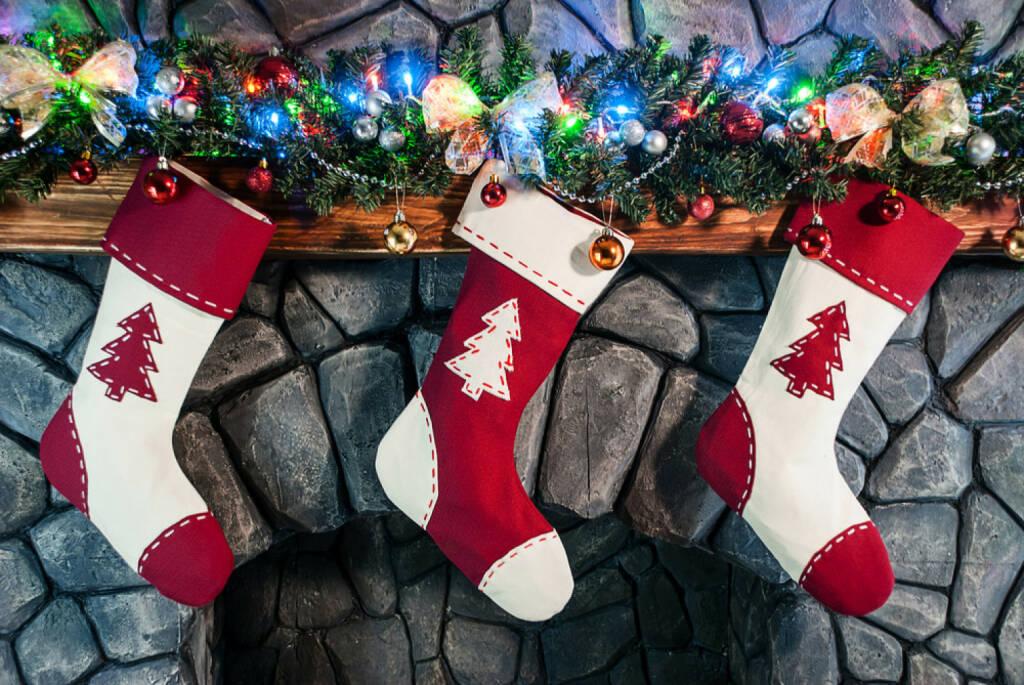 Weihnachten, USA, Christmas stocking, Socken, Kamin, http://www.shutterstock.com/de/pic-165215165/stock-photo-christmas-stocking-on-fireplace-background.html, © www.shutterstock.com (05.11.2014)