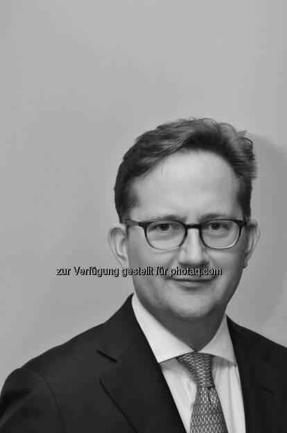 Savills: Marcus Monjart (40) wird künftig mit Andreas Wende -  beide kamen von der Jones Lang LaSalle GmbH - die Geschäftsbereiche Vermietung und Investment der sechs deutschen Savills Standorte verantwortlich leiten  (c) Savills (03.02.2013)