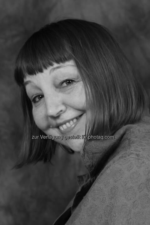 Ljuba Arnatautovic: Der Hauptpreis, dotiert mit 3.000,- Euro, geht an die aus Russland stammende Autorin:  edition exil: Die Exil-Literaturpreise 2014 sind entschieden!