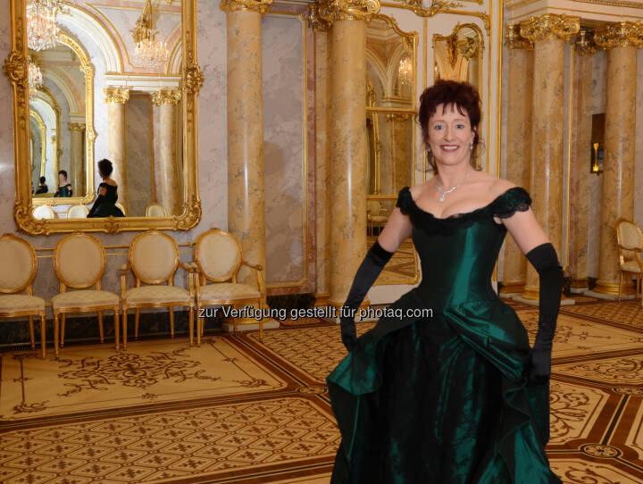 Ulrike Schweikert: Verlagsbüro Karl Schwarzer GmbH: Einmal Prinzessin sein! Deutsche Bestsellerautorin präsentierte im Palais Coburg