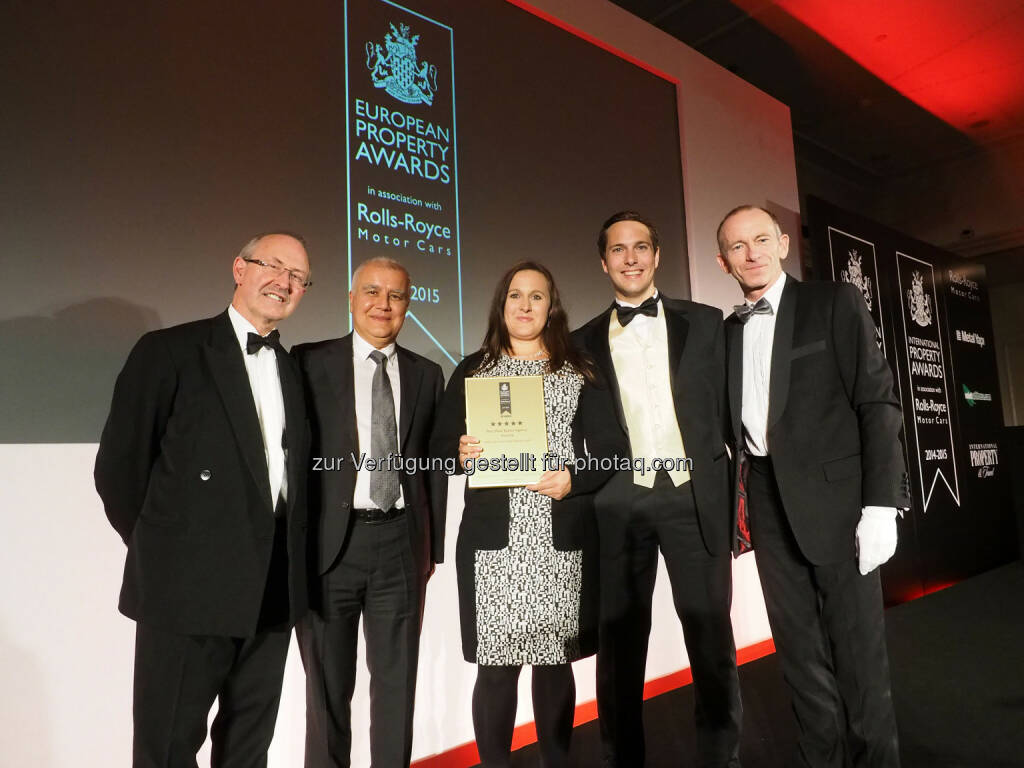 Lord Richard Best, Member of the House of Lords Bülent Özgül, CEO, Metal Yapi, Eva Hausegger, Rechtsabteilung, Sage Immobilien, (Stefan Gassner, CEO, Sage Immobilien, Stuart Shield - Chairman, International Property Awards: Sage Immobilien erhält Award Bester Immobilienmakler Österreichs bei den European Property Awards in London, © Aussendung (11.11.2014)