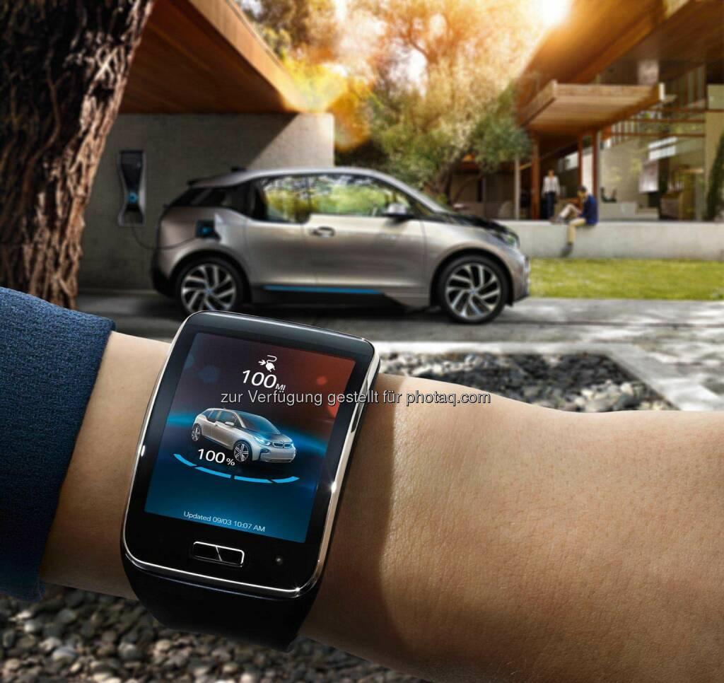 BMW i Remote App bei den CES Innovation Awards 2015 ausgezeichnet. Über die Smartwatch Samsung Gear S mit BMW i Fahrzeugen verbunden., © Aussendung (12.11.2014)