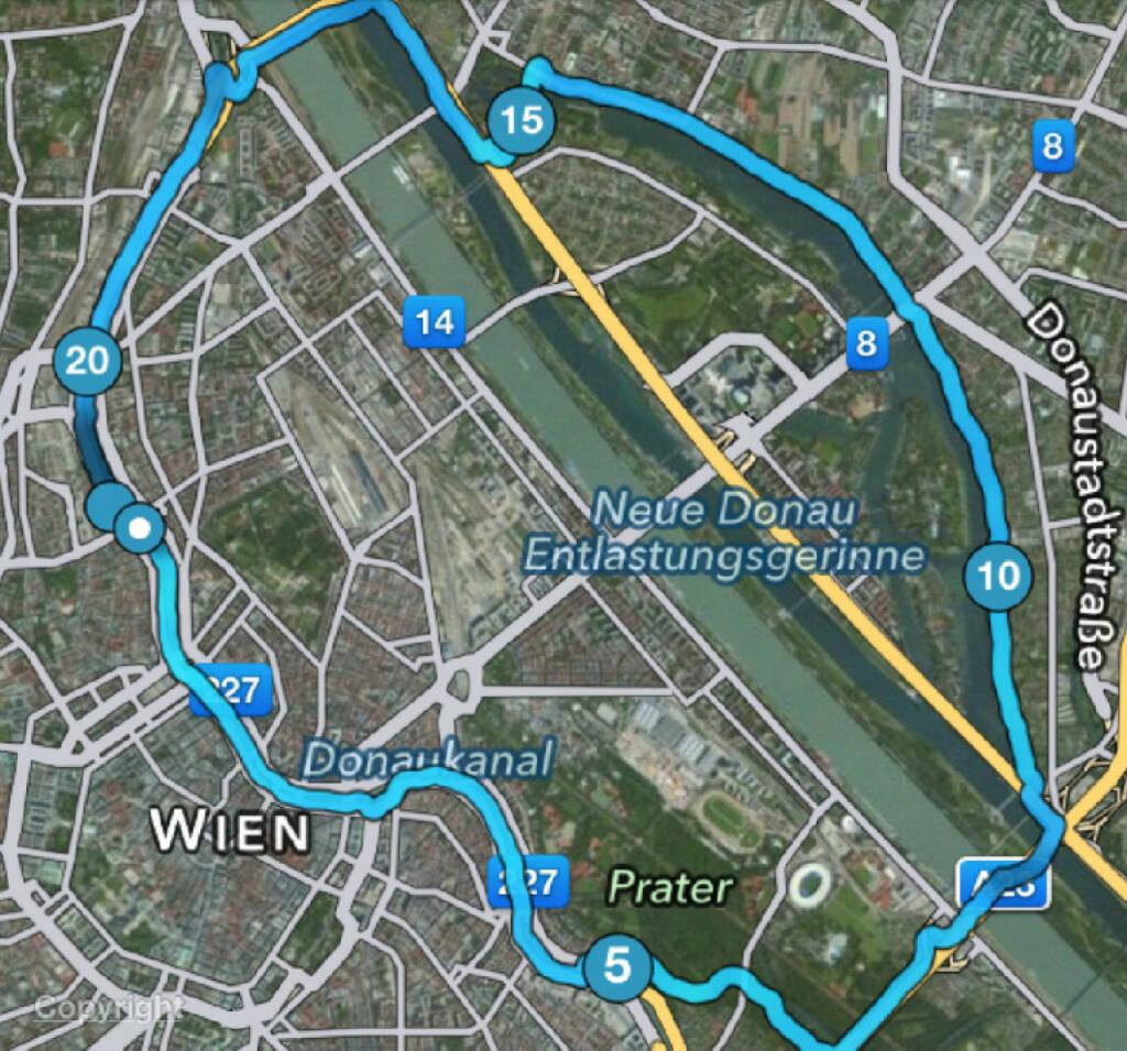Christian Drastil: Mein Wien-Halbmarathon, siehe http://www.runplugged.com/2013/09/22/ein_trainings-halbmarathon_ganz_ohne_app_mein_halbmarathon-streckentipp_fur_alle_wiener  (15.11.2014)