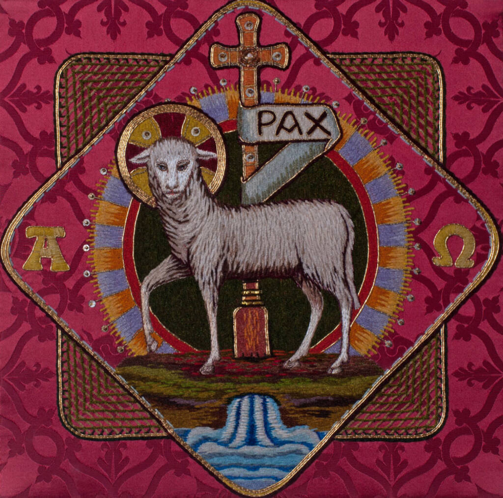 Pax, Friede, peace, Lamm, Schaf, http://www.shutterstock.com/de/pic-185473529/stock-photo-traditional-burse-with-hand-embroidered-lamb-of-god-easter-symbol-made-by-benedictine-sisters-in.html, © www.shutterstock.com (17.11.2014)