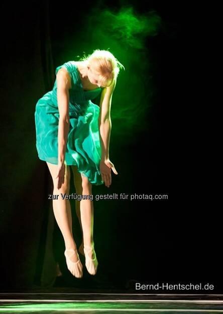 Julia Predel, Tanzraum Rastatt / Juni 2011, &copy; mit freundlicher Genehmigung von <a href=
