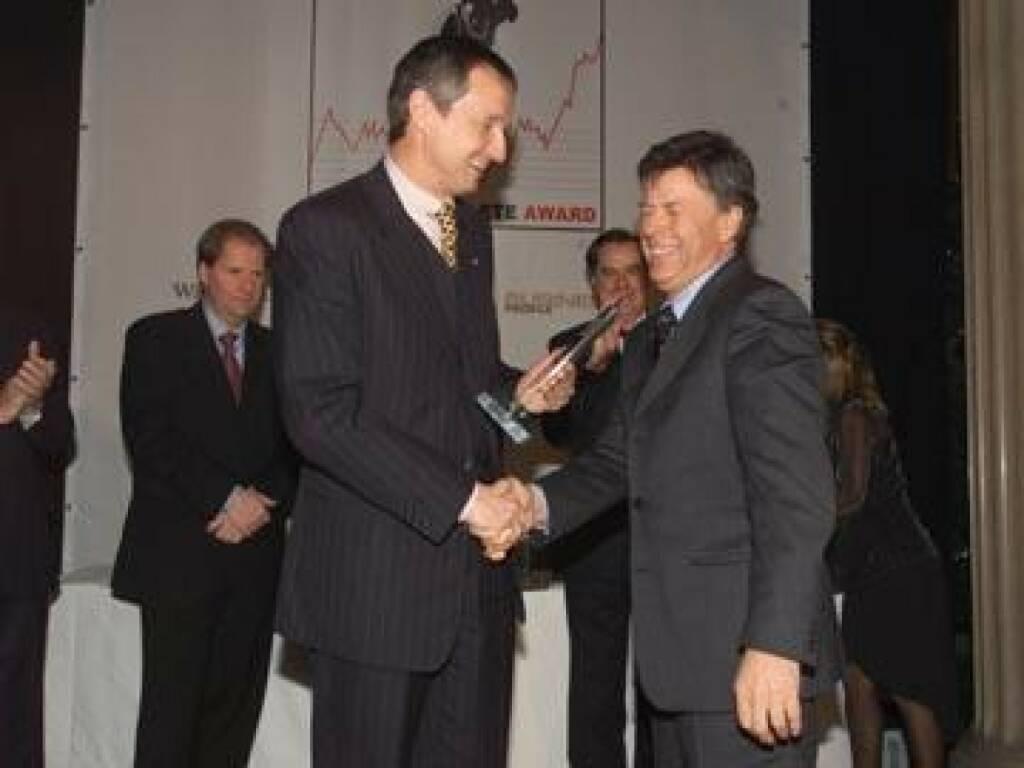 Martin Bartenstein gratuliert dem sichtlich gerührten Champ Peter Schröcksnadel (17.11.2014)