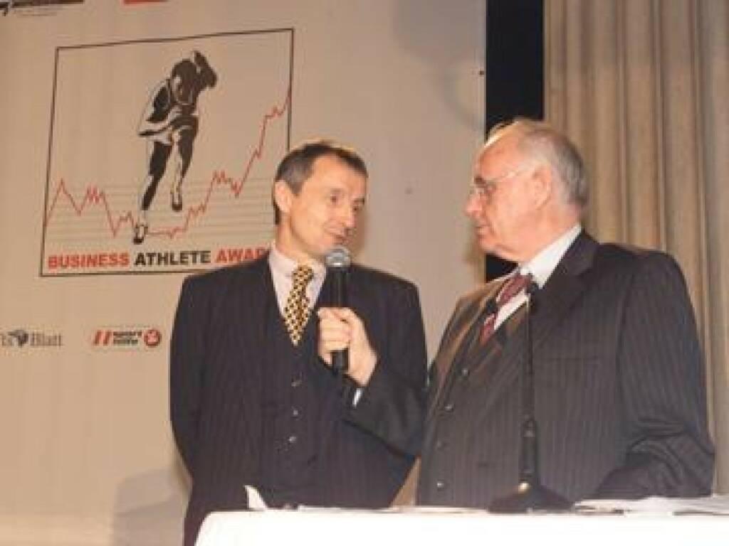 Bartenstein/Kuhn erklären das Business Athlete Award-Modell: Augenmerk wird vor allem auf die aktuelle Leistung in der Wirtschaft gelegt (17.11.2014)