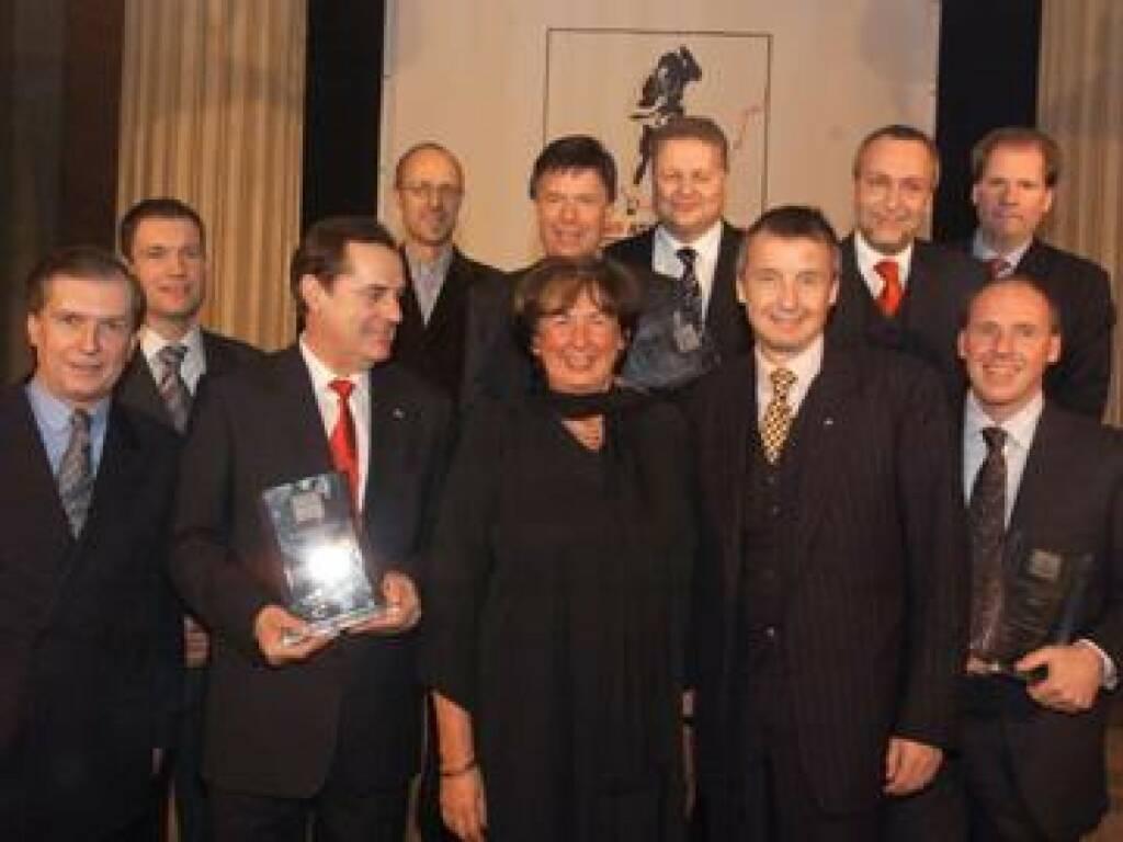 Die Geehrten: Innauer, Assinger, Roth, Stickler, Schröcksnadel, Prokop, Weirather, Teufelberger mit den Sponsoren (17.11.2014)
