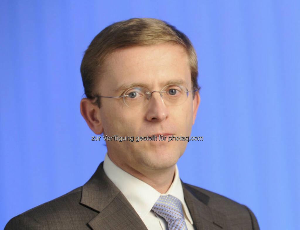Ernst Schneckenleitner, Lebensversicherungsexperte bei der Allianz Gruppe in Österreich: Verzehnfachung im Club der Hundertjährigen bis 2050 (c) Allianz (06.02.2013)