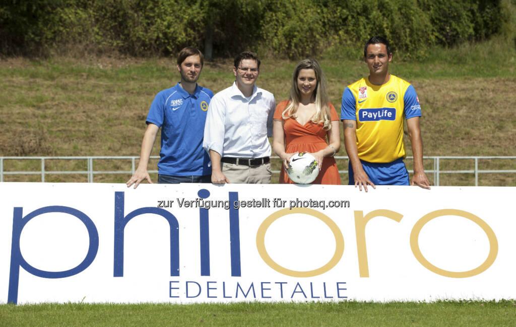 Gold (-Unterstützer) und Fussball: Markus Pink (Vienna), Rene Brückler (philoro), Nina Krist (philoro), Lorenz Kirchschlager (Vienna) (c) Nikolaus Ostermann  (06.02.2013)
