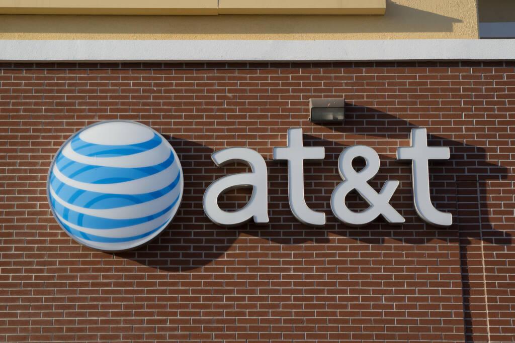 AT&T, ATT <a href=http://www.shutterstock.com/gallery-221230p1.html?cr=00&pl=edit-00>Rob Wilson</a> / <a href=http://www.shutterstock.com/editorial?cr=00&pl=edit-00>Shutterstock.com</a>, © www.shutterstock.com (21.11.2014)