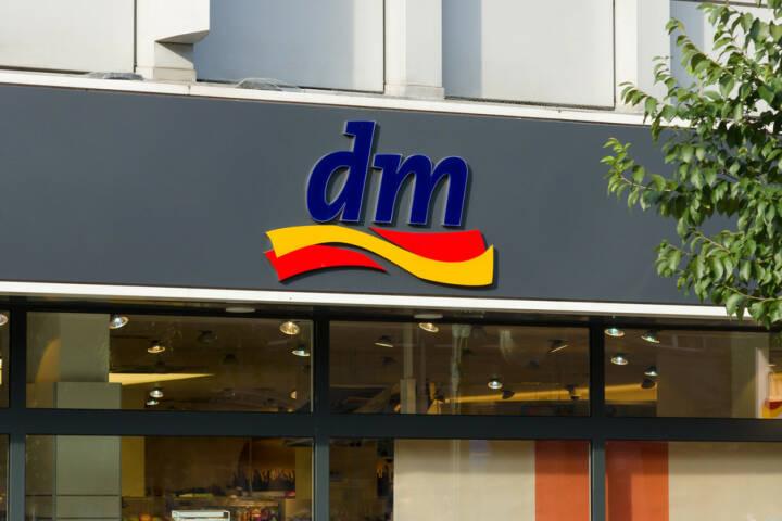 DM, dm, Drogeriemarkt, <a href=http://www.shutterstock.com/gallery-472024p1.html?cr=00&pl=edit-00>Bocman1973</a> / <a href=http://www.shutterstock.com/editorial?cr=00&pl=edit-00>Shutterstock.com</a>, Bocman1973 / Shutterstock.com