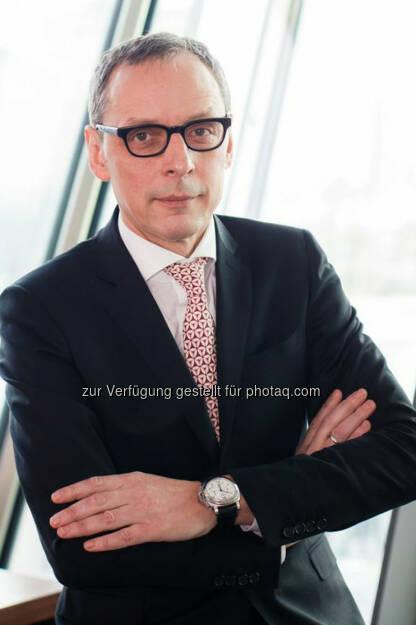 Wilhelm Celeda, der bereits seit 2013 im RCB Vorstand für die Kerngeschäftsbereiche der Bank verantwortlich zeichnet, wird mit 1. Jänner 2015 neuer Chief Executive Officer (Bild: RCB), © Aussender (26.11.2014)