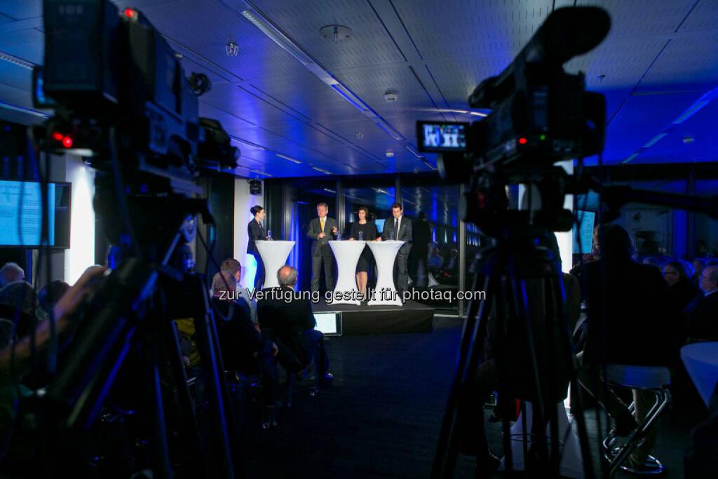 Bettina Schragl (Head of Corporate Communications Immofinanz), Eduard Zehetner (CEO Immofinanz), Birgit Noggler (CFO Immofinanz), Dietmar Reindl (COO Immofinanz), http://privatanleger.immofinanz.com/, © Martina Draper für Immofinanz (27.11.2014)