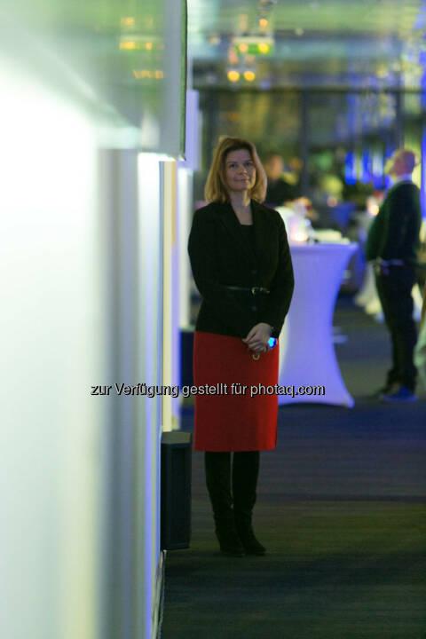 Simone Korbelius (Investor Relations Immofinanz), http://privatanleger.immofinanz.com/