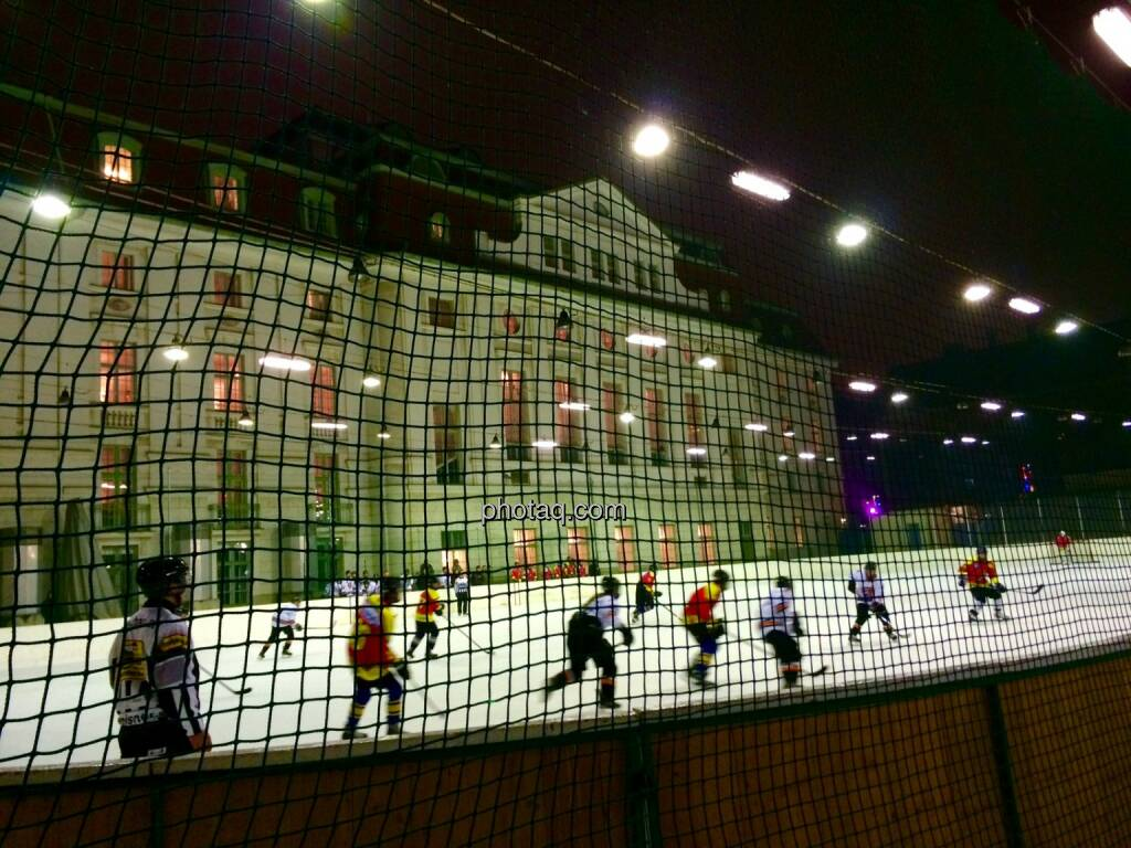 Heumarkt, Eislaufen, Eishockey, Sport, Wettkampf, Wintersport, © photaq (29.11.2014)