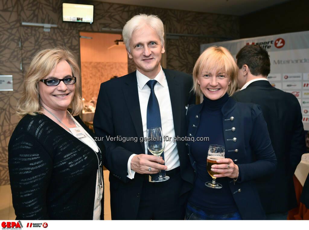 Silvia Carlsson, Zsolt Kovacs und Emese Doerfler-Antal. (Photo: GEPA pictures/ Martin Hoermandinger) (02.12.2014)