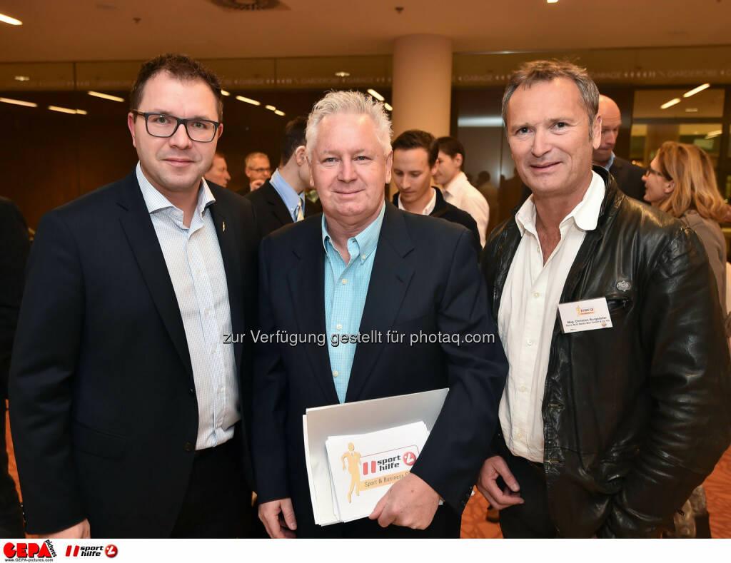 Wolfgang Mayer, Sigi Heinrich und Christian Burgstaller. (Photo: GEPA pictures/ Martin Hoermandinger) (02.12.2014)
