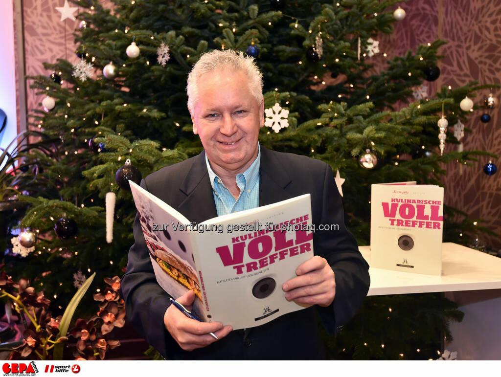 Sigi Heinrich mit Kulinarische Volltreffer. (Photo: GEPA pictures/ Martin Hoermandinger) (02.12.2014)