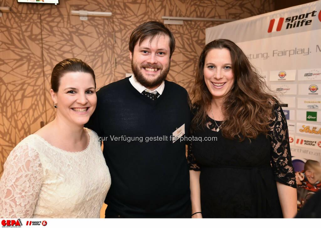 Christina Gassner, Alexander Graser und Barbara Leitner. (Photo: GEPA pictures/ Martin Hoermandinger) (02.12.2014)