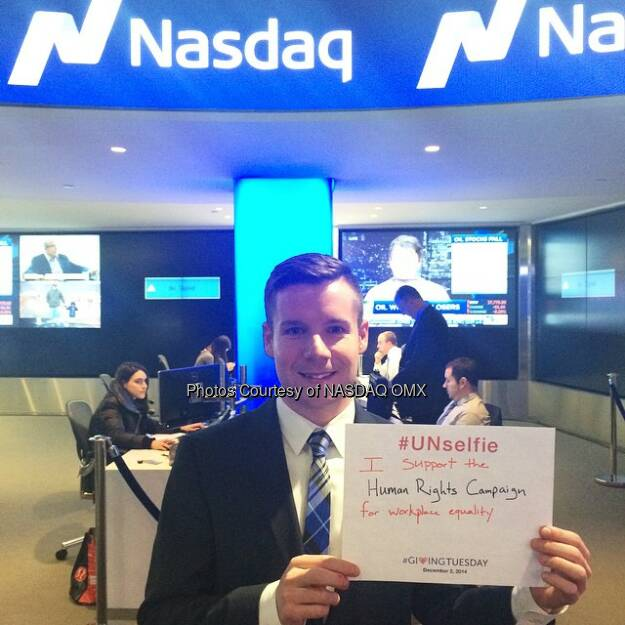 #Nasdaq's David Lynch supports the @humanrightscampaign! #UNSelfie #GivingTuesday @blackbaud  Source: http://facebook.com/NASDAQ (02.12.2014)