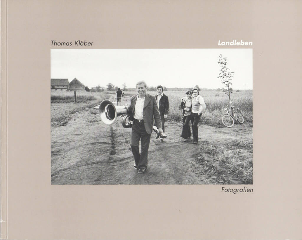 Thomas Kläber - Landleben. Fotografien, Druck, Repro und Verlag Gmbh 1993, Cover - http://josefchladek.com/book/thomas_klaber_-_landleben_fotografien, © (c) josefchladek.com (03.12.2014)