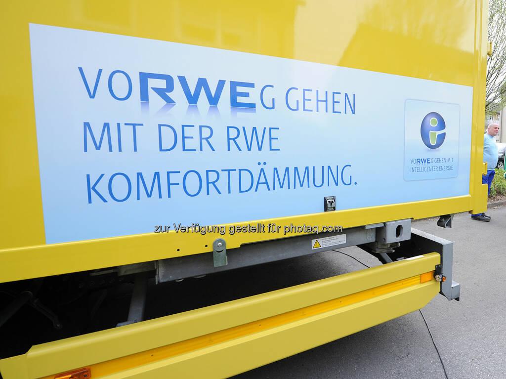 RWE: 20 Mehrfamilienhäuser in Bochum mit neuer Wärmedämmung, © Aussender (10.12.2014)