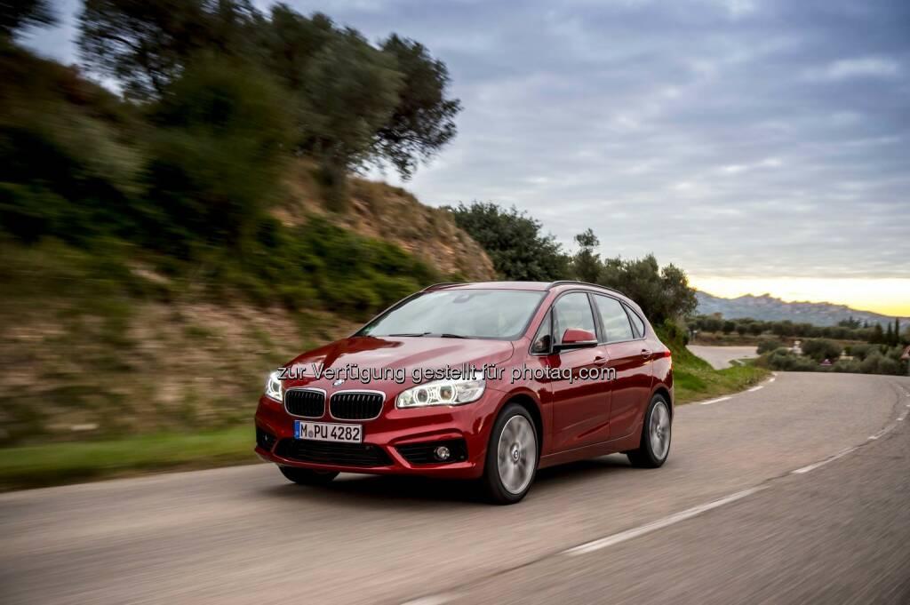 Personenwarnung mit City-Anbremsfunktion von BMW ConnectedDrive wird mit dem Euro NCAP Advanced Award 2014 ausgezeichnet., © Aussendung (10.12.2014)