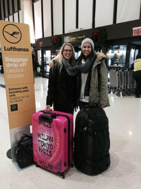 Flughafen, Gepäck, Milan, Tokio, Paris (11.12.2014)