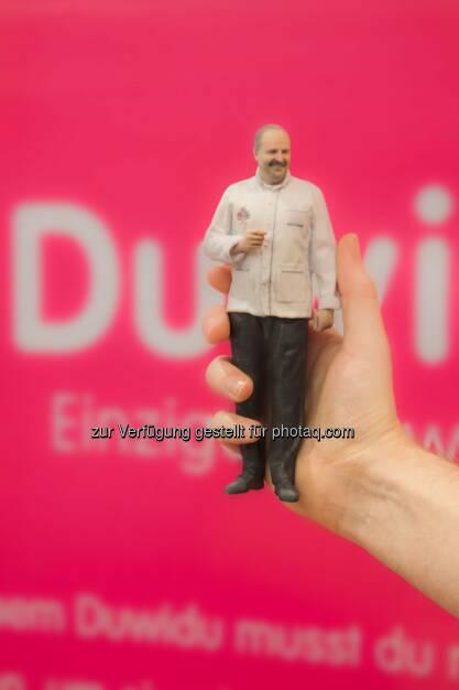 Johann Lafer in Händen halten: P8 GmbH: Weltneuheit in Österreich: duwidu – Mein kleiner Doppelgänger in 3D, © Aussender (12.12.2014)