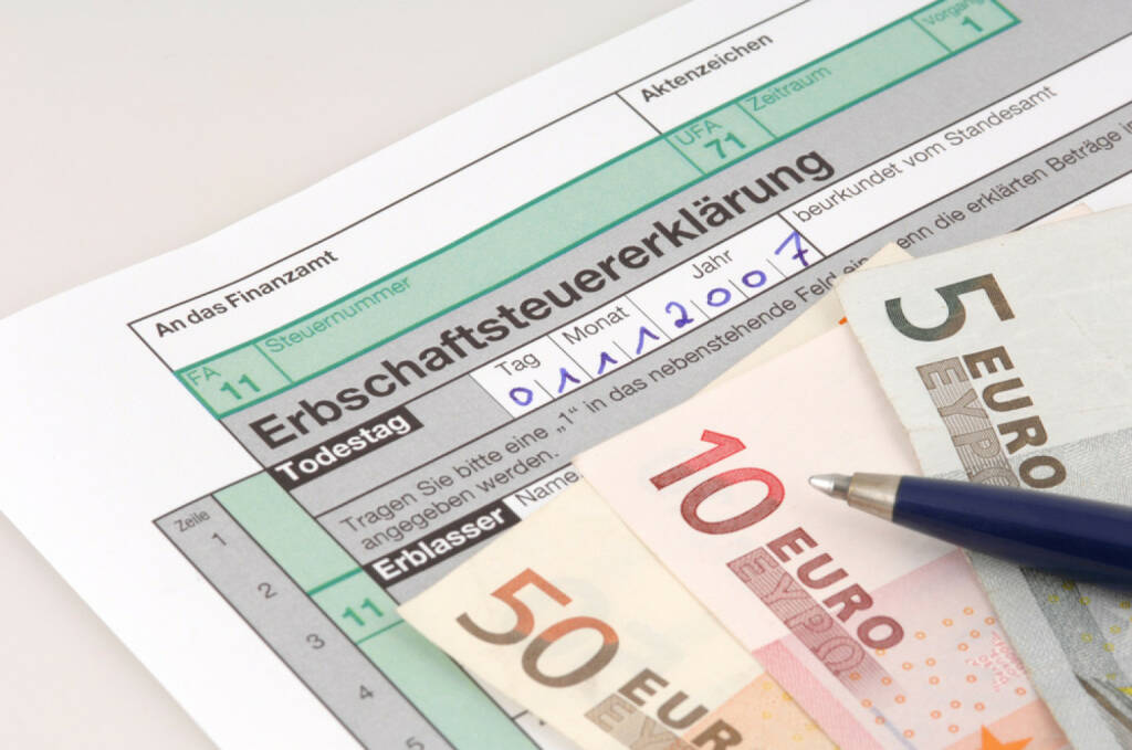 Erben, Erbe, Erbschaftssteuer, http://www.shutterstock.com/de/pic-5001661/stock-photo-tax-form-for-the-german-inheritance-tax-ready-to-complete.html, © www.shutterstock.com (21.06.2018)