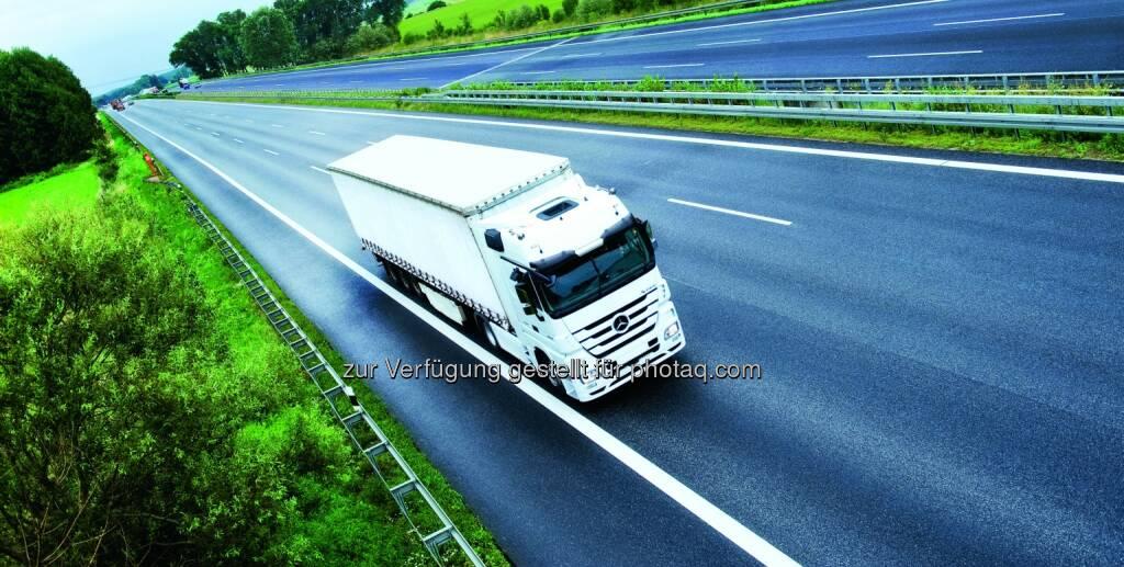 Toll Collect GmbH: Mautbetreibervertrag mit Toll Collect bis 2018 verlängert, LKW, Autobahn, Transport, © Aussendung (18.12.2014)