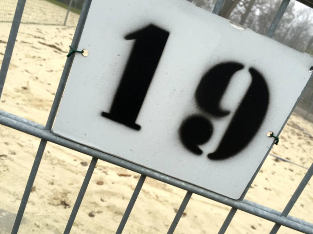 19 Neunzehn (19.12.2014)