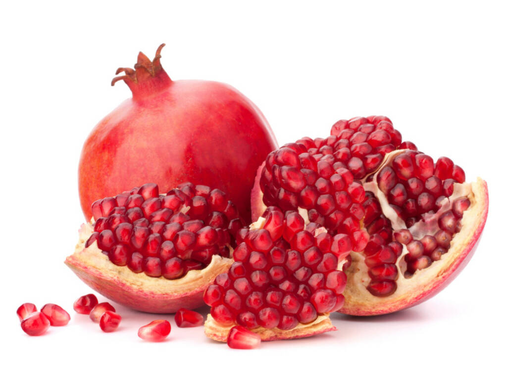 Granatapfel, Superfruit, http://www.shutterstock.com/de/pic-111946643/stock-photo-ripe-pomegranate-fruit-isolated-on-white-background-cutout.html, © www.shutterstock.com (24.12.2014)
