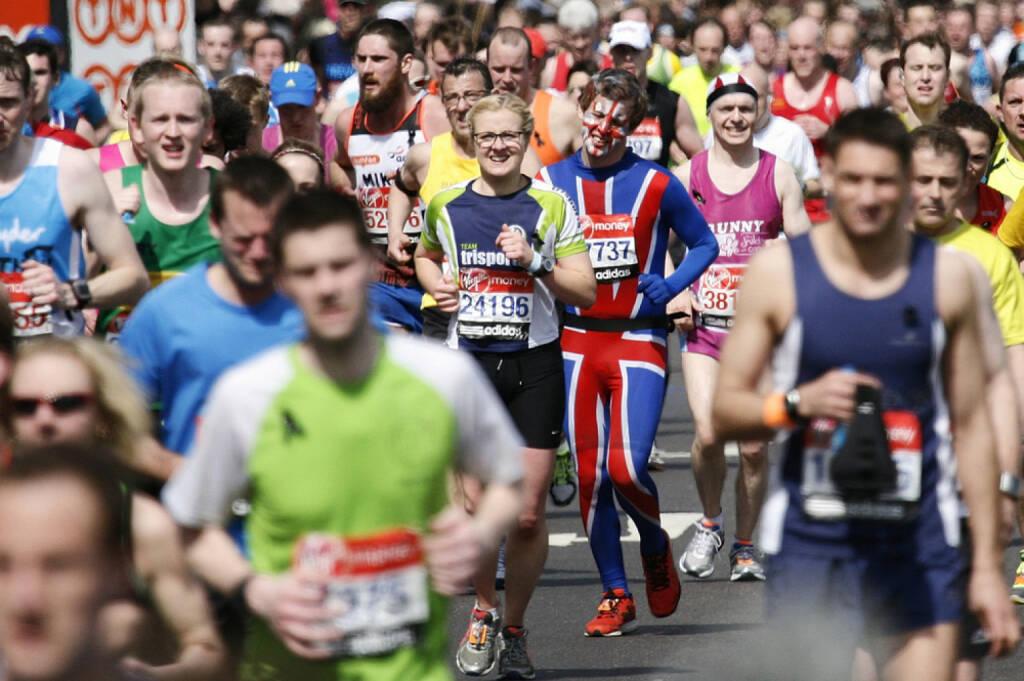 London, Marathon, England, Großbritannien, Läufer, Flagge, Fahne, Läufer<a href=http://www.shutterstock.com/gallery-724414p1.html?cr=00&pl=edit-00>Bikeworldtravel</a> / <a href=http://www.shutterstock.com/editorial?cr=00&pl=edit-00>Shutterstock.com</a>, Bikeworldtravel / Shutterstock.com, © www.shutterstock.com (25.12.2014)