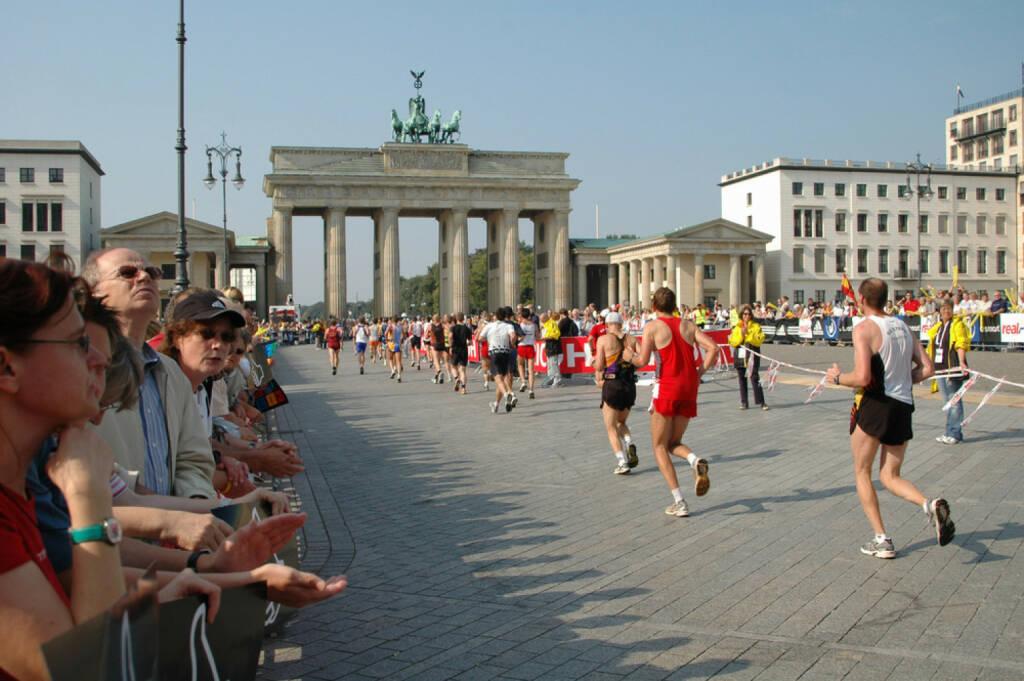 Berlin, Marathon, Deutschland, Läufer, Brandenburger Tor, The Big 6, The Big Six, <a href=http://www.shutterstock.com/gallery-320989p1.html?cr=00&pl=edit-00>360b</a> / <a href=http://www.shutterstock.com/editorial?cr=00&pl=edit-00>Shutterstock.com</a>, 360b / Shutterstock.com, © www.shutterstock.com (25.12.2014)
