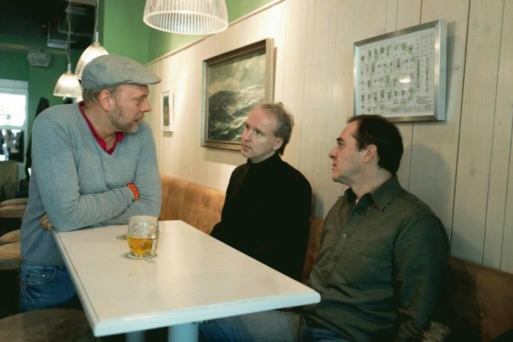 Wolfgang Matejka: Auf diesen Blog bekam ich die meisten positiven Feedbacks -  http://wolfgang-matejka.com/2014/05/21/what_shall_we_do_with_the_drunken   (29.12.2014)