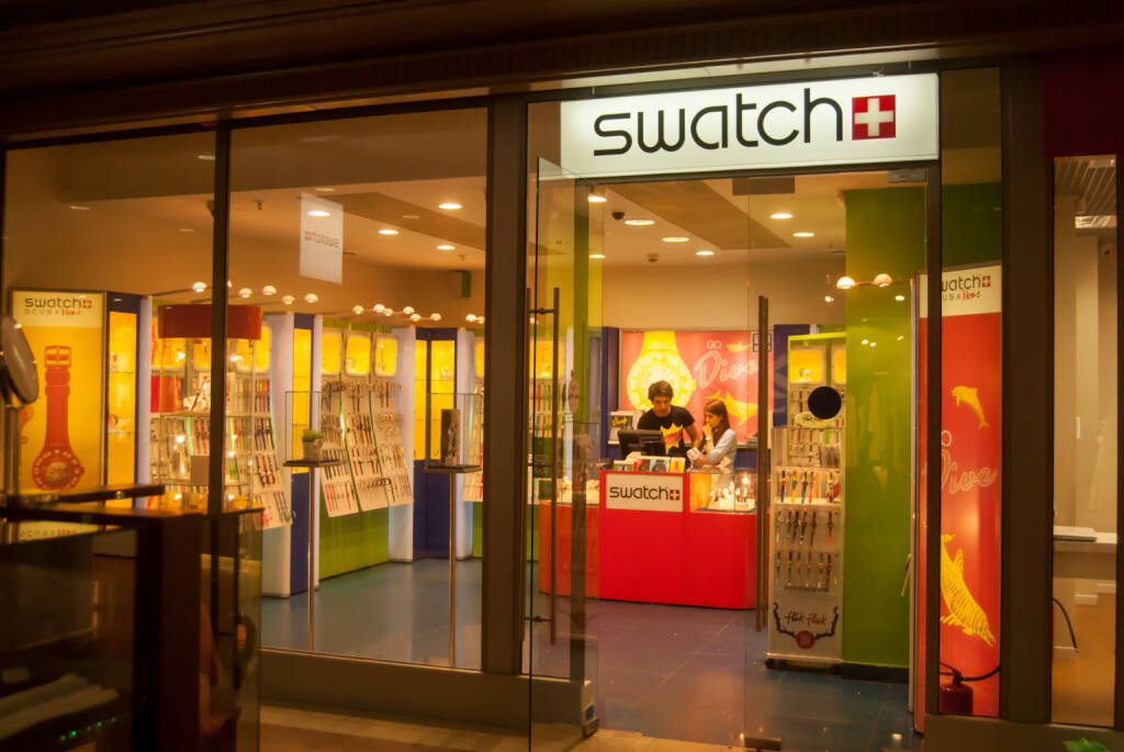 Swatch store <a href=http://www.shutterstock.com/gallery-1489708p1.html?cr=00&pl=edit-00>Romas_Photo</a> / <a href=http://www.shutterstock.com/editorial?cr=00&pl=edit-00>Shutterstock.com</a>, © www.shutterstock.com (30.12.2014)