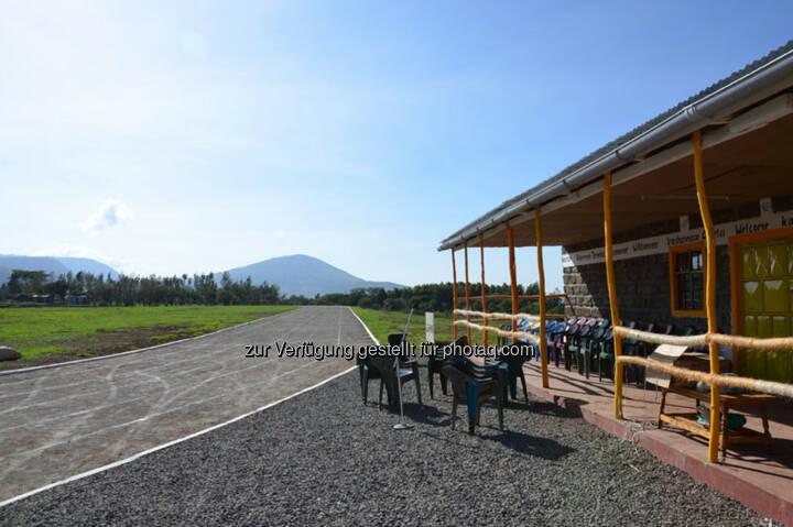 Eröffnung des Run2gether- Kiambogo Primary School – Stadium, Aschenbahn, Laufbahn