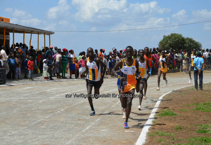Eröffnung des Run2gether- Kiambogo Primary School – Stadium