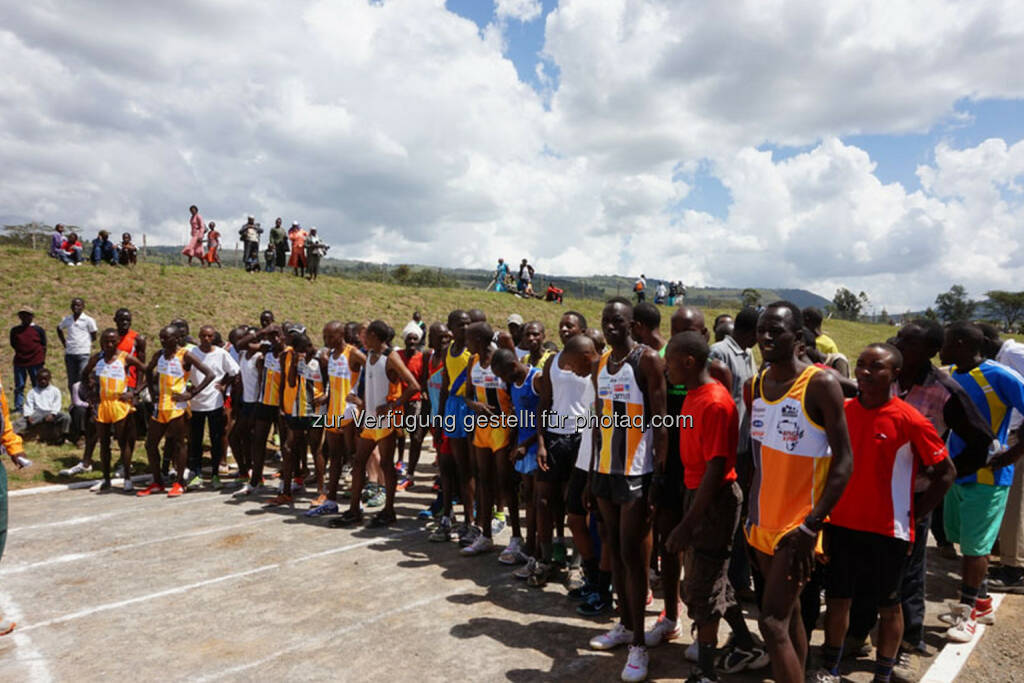 Eröffnung des Run2gether- Kiambogo Primary School – Stadium, © Run2gether (07.01.2015)